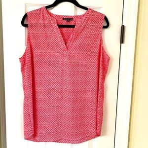 Adrianna Papell sleeveless printed blouse red L